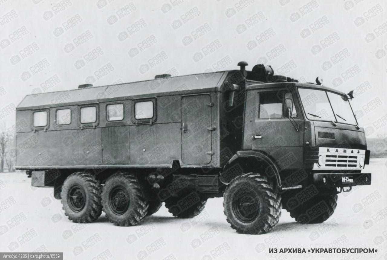 Автобус 4203